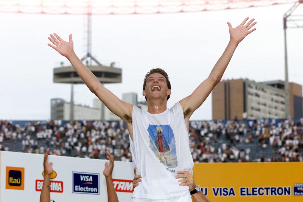 Elano coloca o Brasileirão de 2002 como título mais marcante com o Santos