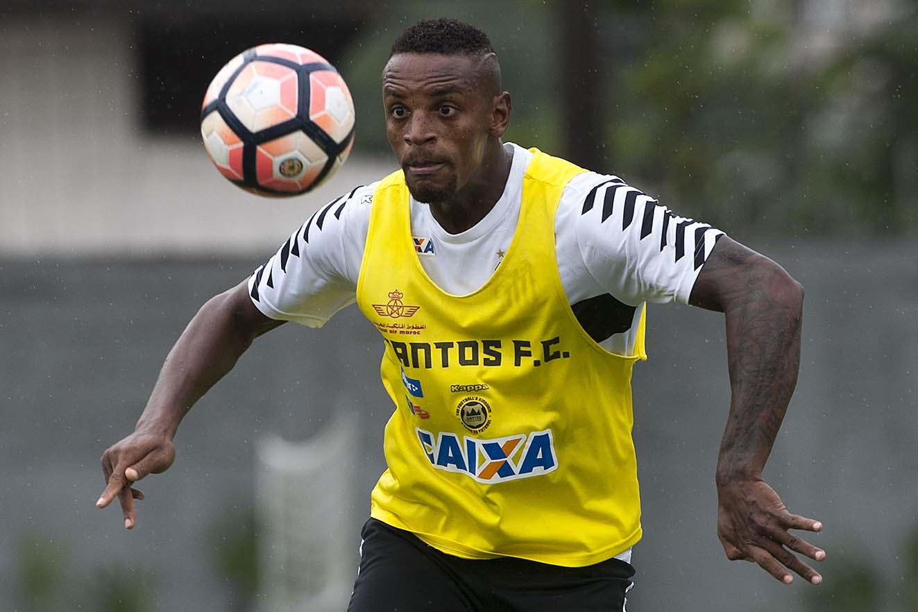 Procurado por outros clubes, Cléber Reis quer ficar no Santos