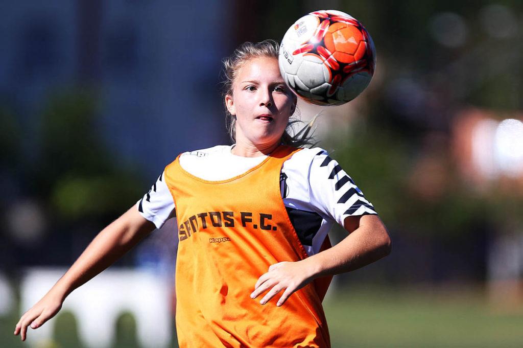 Sereia da Vila é chamada para treinos da Seleção Sub-17