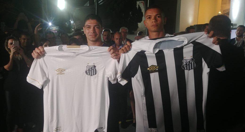 Exclusivo  Santos vai ter quatro uniformes em 2018 7f9ad468806ad