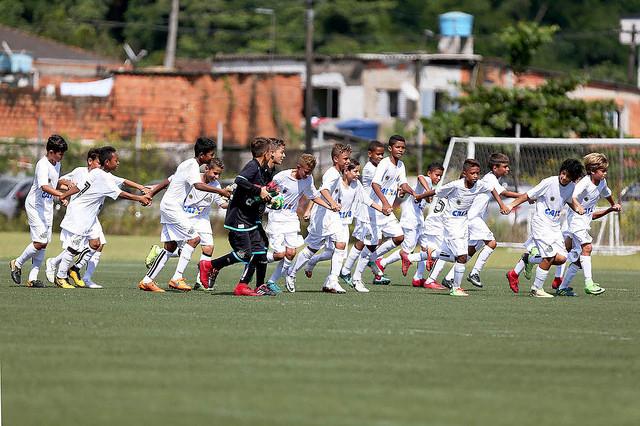 Times sub-11 e sub-13 do Santos avançam na Copa Ouro