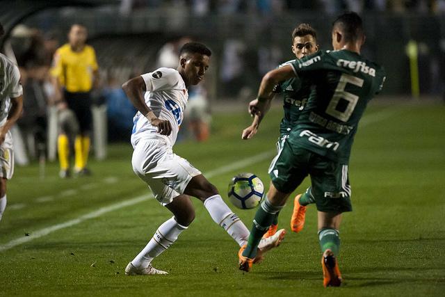 Na TV: saiba como acompanhar o clássico contra o Palmeiras