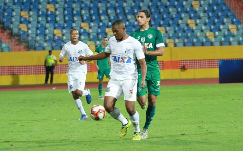 Após gol de empate, Sabino comemora volta por cima