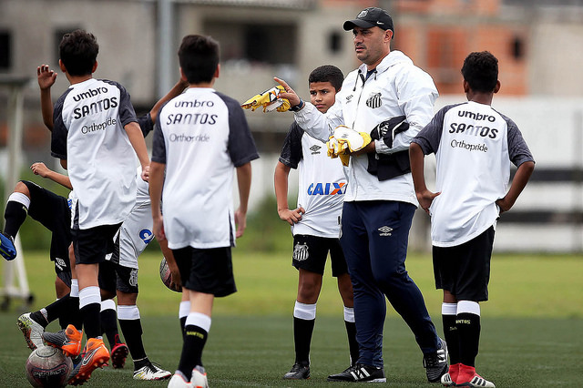 Sub-11 e sub-13 do Santos estreiam no mata-mata do Paulista