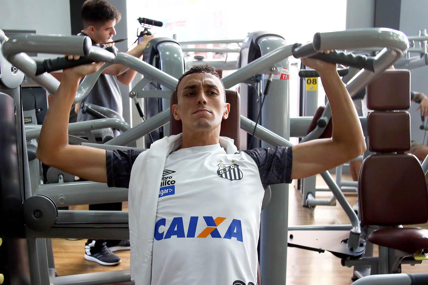 """""""Meu sonho é ter a minha cara no muro do CT"""", por Diego Pituca"""