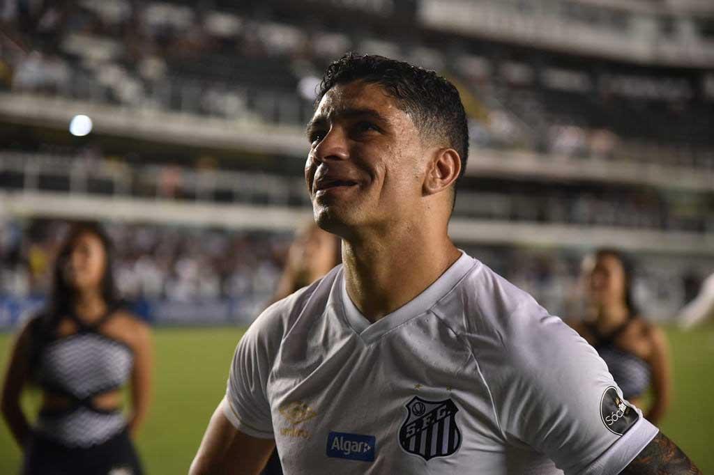 Renato é eleito o melhor volante do Santos no Século XXI