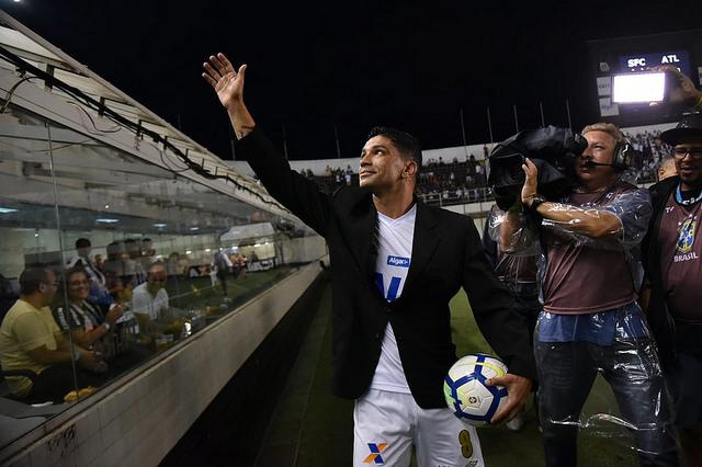 Distante do Santos, Renato deve deixar cargo de dirigente