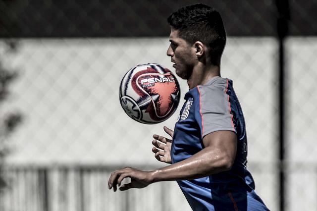Com volta de Matheus Ribeiro, Daniel Guedes deve deixar o Santos