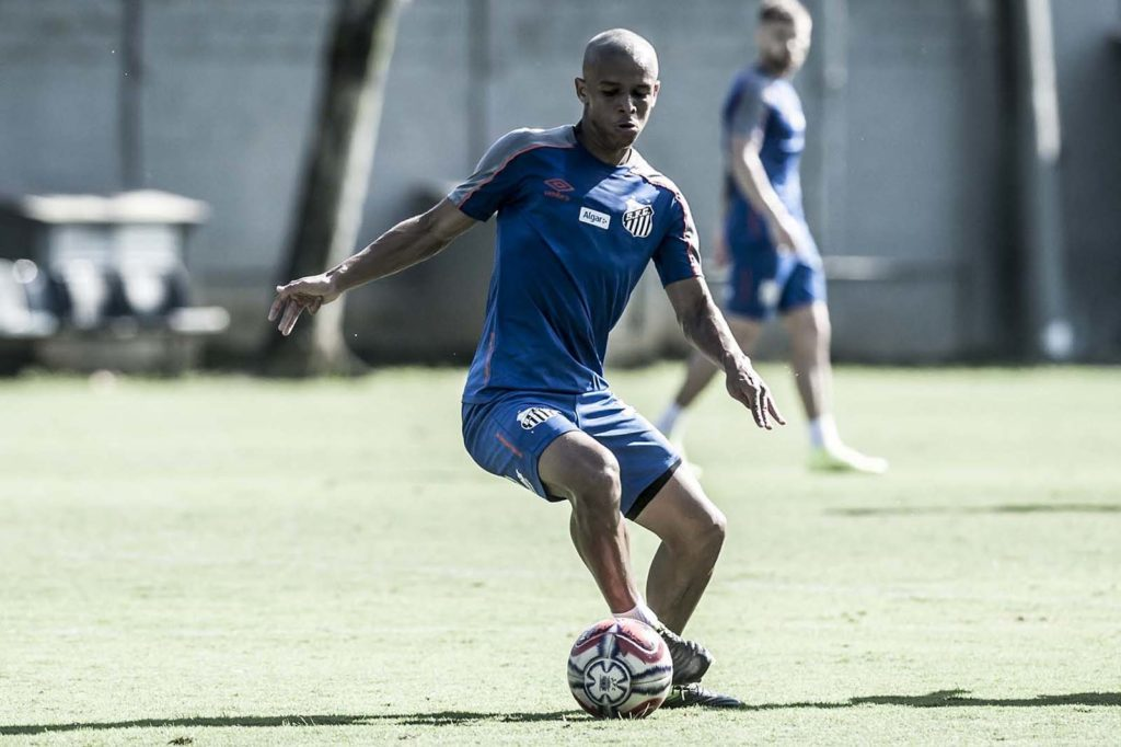 Impasse sobre contrato pode fazer o Santos perder Sandry