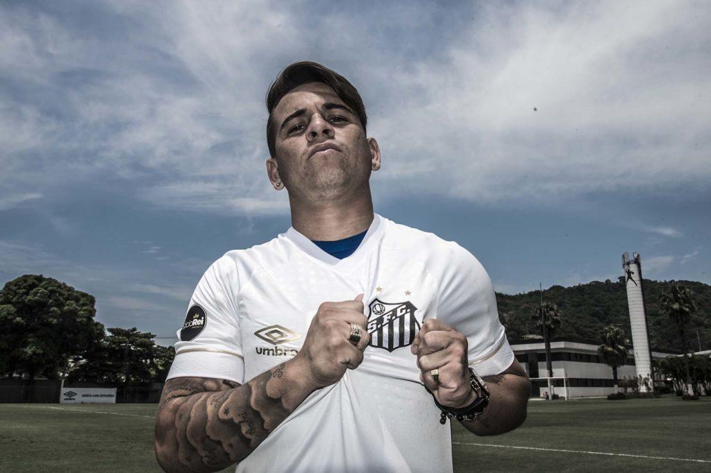 Por documentação, Soteldo e Aguilar não treinam no CT Rei Pelé