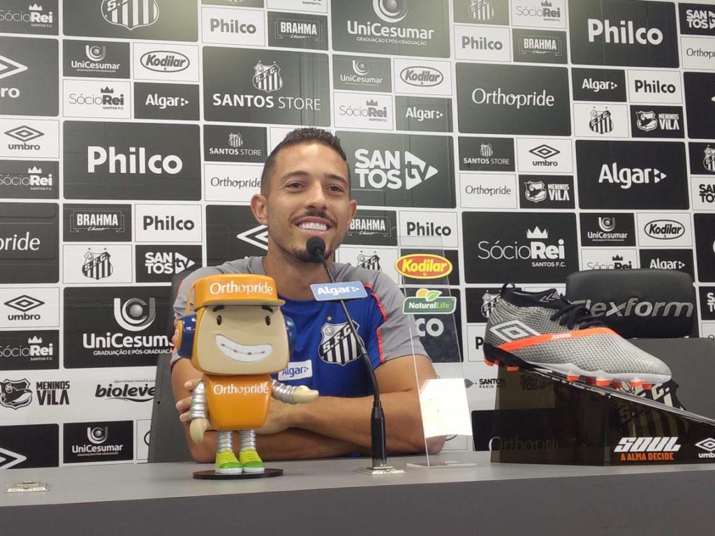 """Jean Mota: """"Quero fazer uma nova história no Santos"""""""