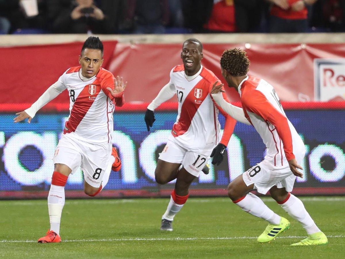 Peruano Cueva marca e vence duelo contra paraguaio Gonzáles
