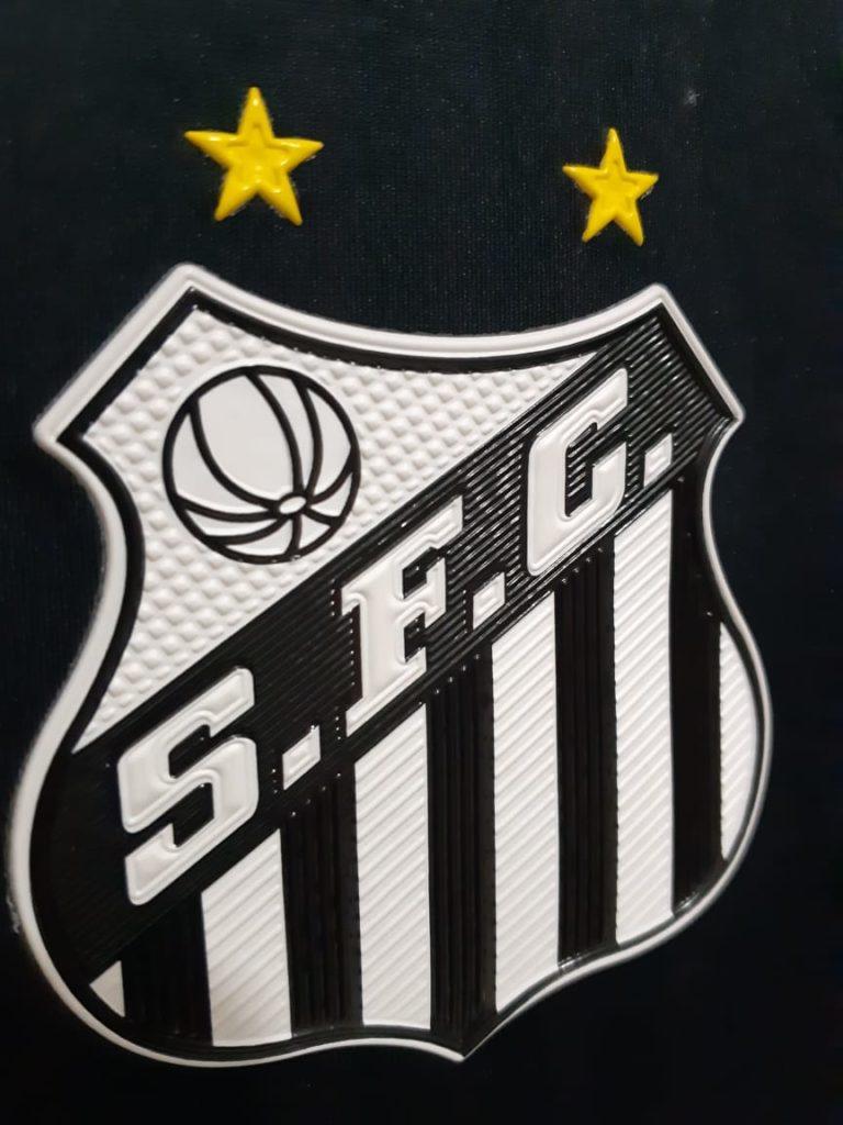 Terceira camisa estreia contra o CSA e terá detalhes da década de 90