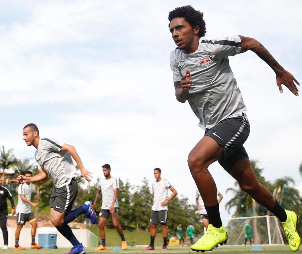 Após contato inicial, Santos some e Osman renova com Red Bull