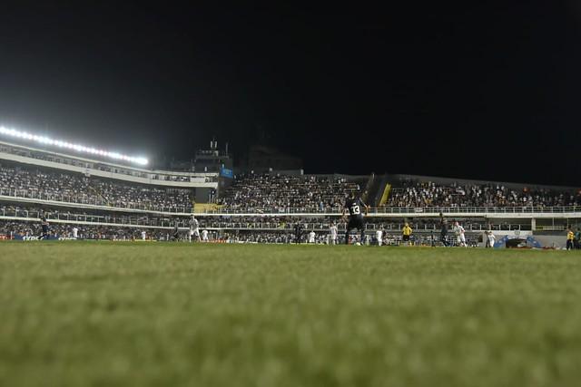 Santos chega a 7,8 mil ingressos vendidos para jogo contra o Inter