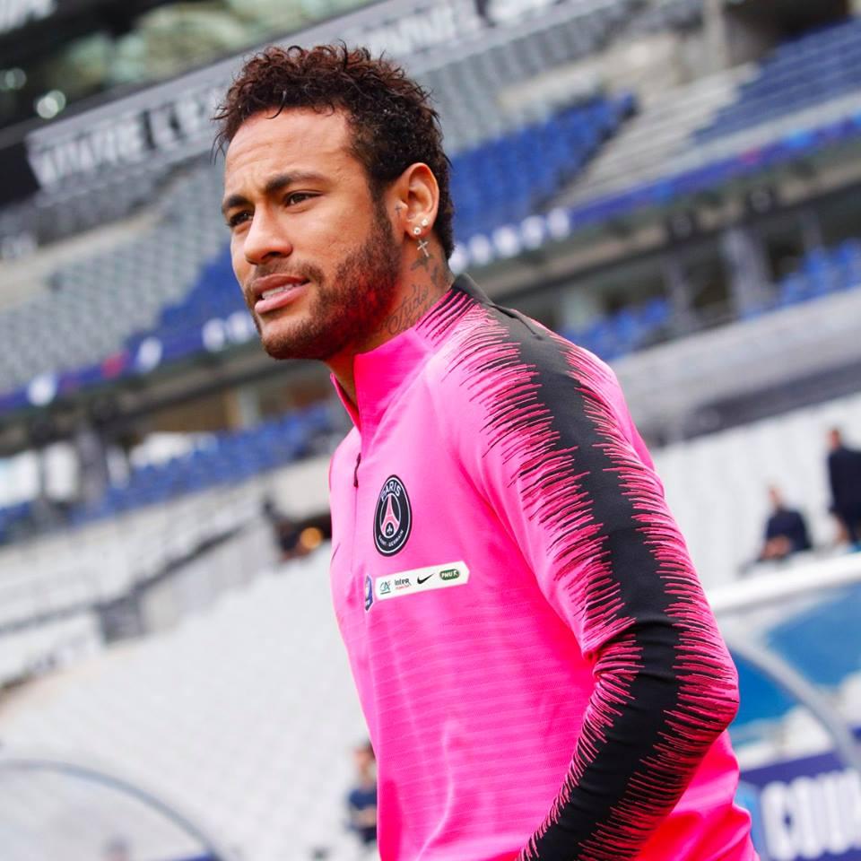 PSG espera proposta por Neymar e Santos pode lucrar