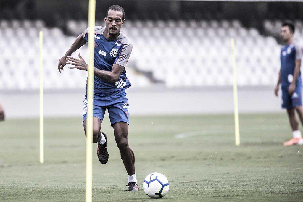 Santos muda perfil e vira time mais disciplinado do Paulistão
