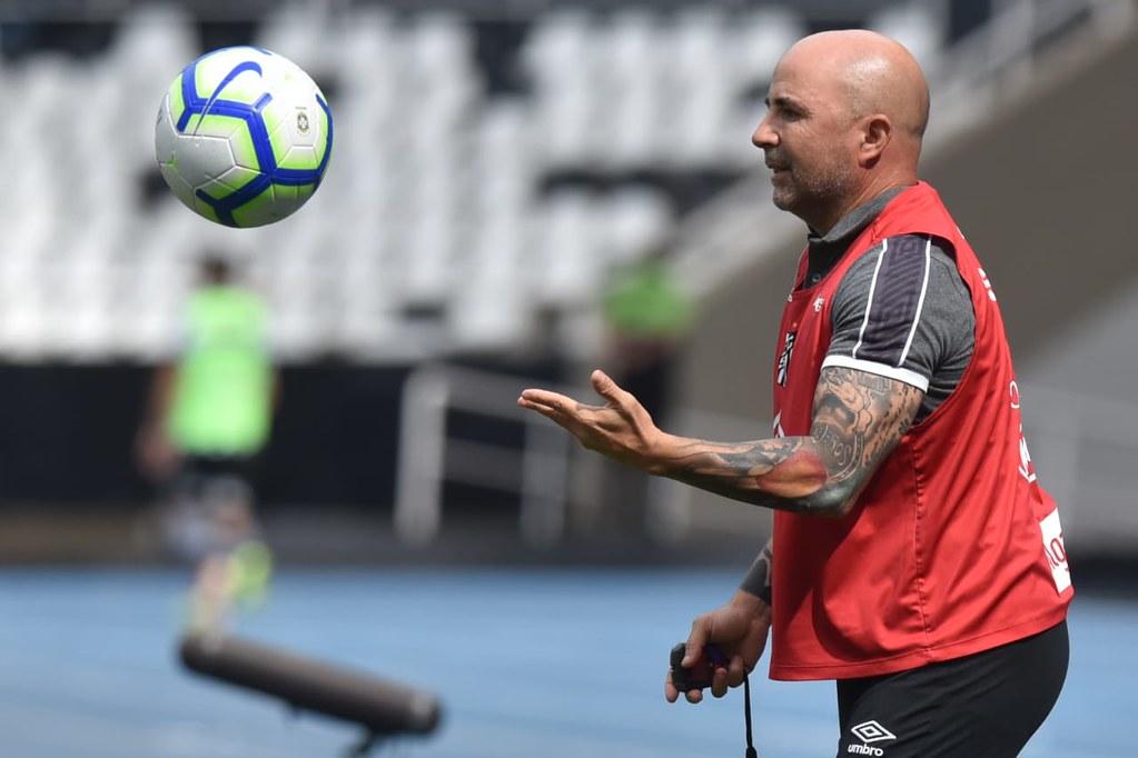 Sampaoli quer o Santos com os pés no chão no Brasileirão