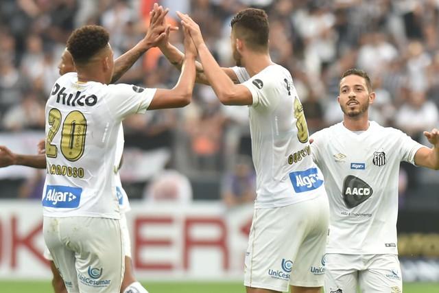 Santos faz nova ação social na camisa contra o Cruzeiro