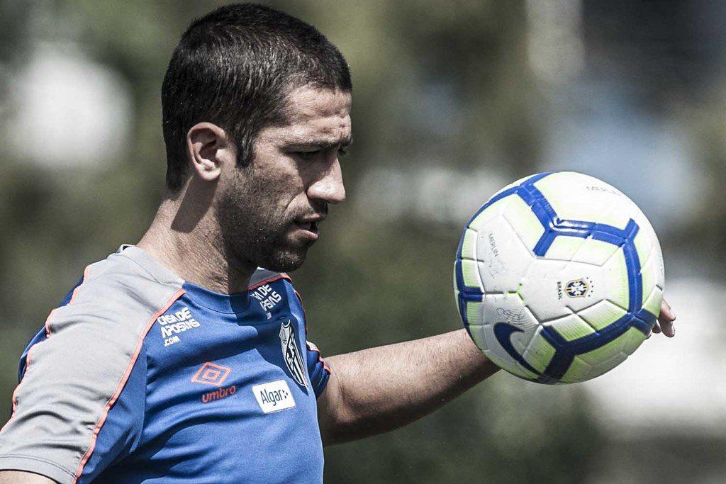 Evandro inicia transição e pode voltar contra o Grêmio