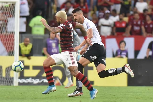Gustavo Henrique está fora da partida contra o Grêmio