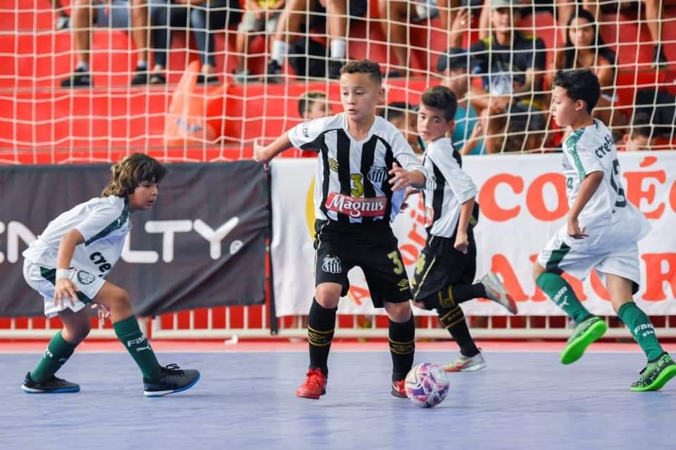 Futsal Sub-9 é campeão paulista vencendo o Palmeiras