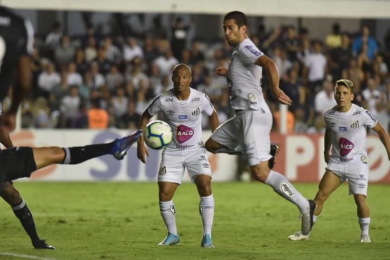 Santos quebra jejum e consegue primeira virada no Brasileiro