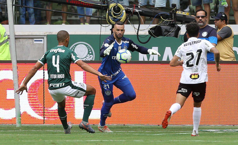 Palmeiras empata e Peixe só precisa ganhar o clássico para ser segundo