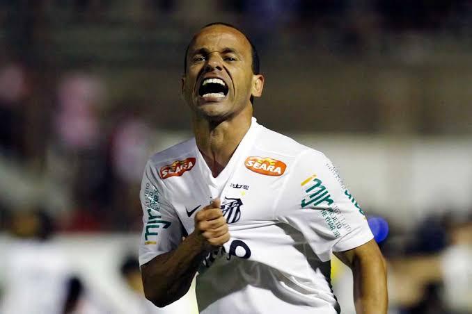 TOP 5 do DIÁRIO: os maiores laterais-esquerdos da história do Santos