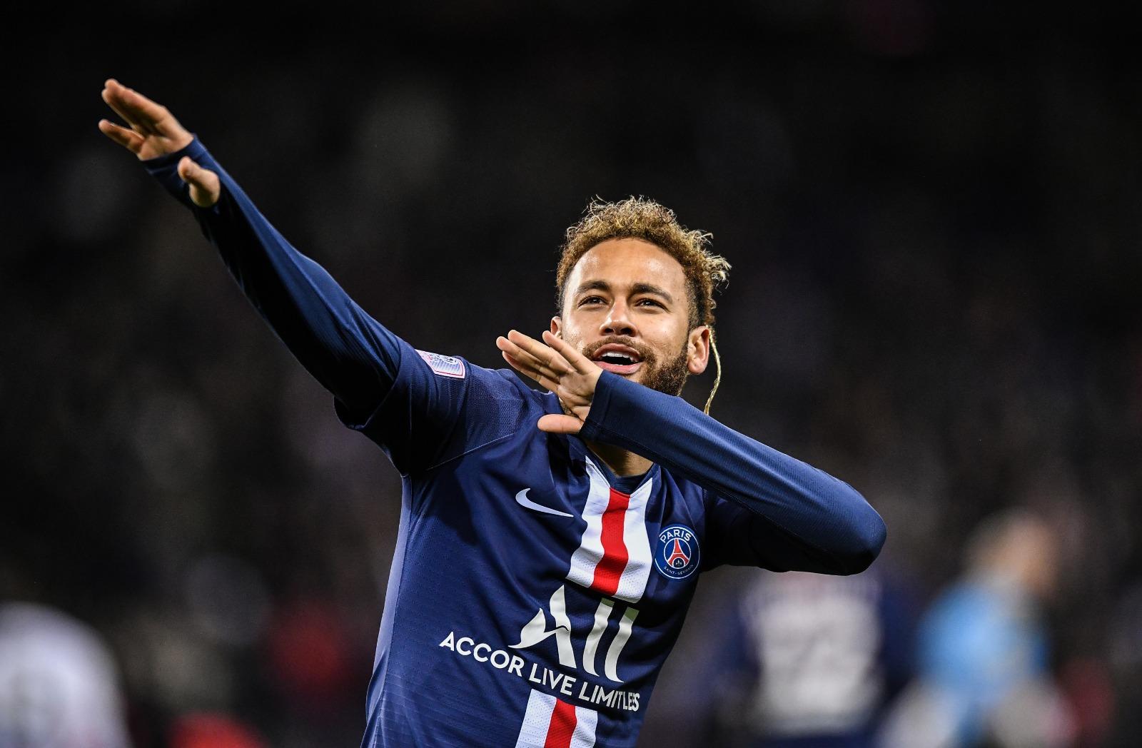 Da Vila para o mundo: Neymar é destaque em vitória do PSG