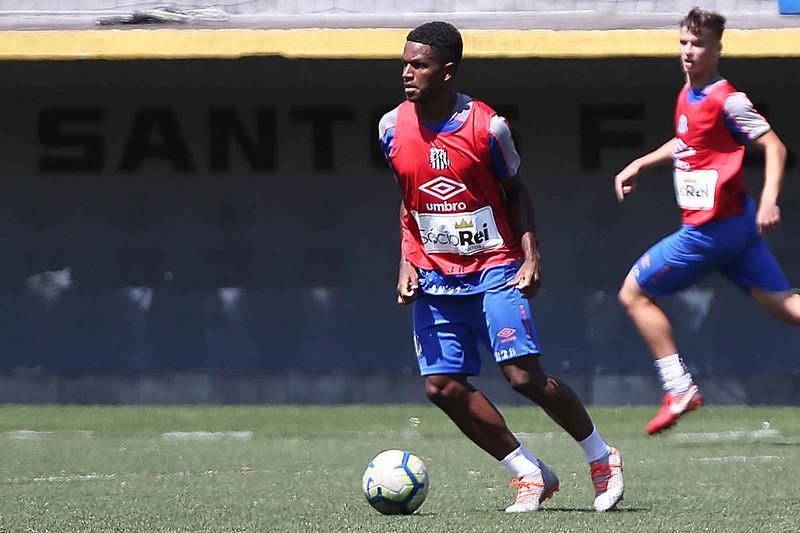 Renyer e Ceará são chamados para treinar com o profissional