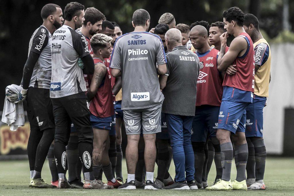 Elenco entra em acordo com o Santos por redução salarial