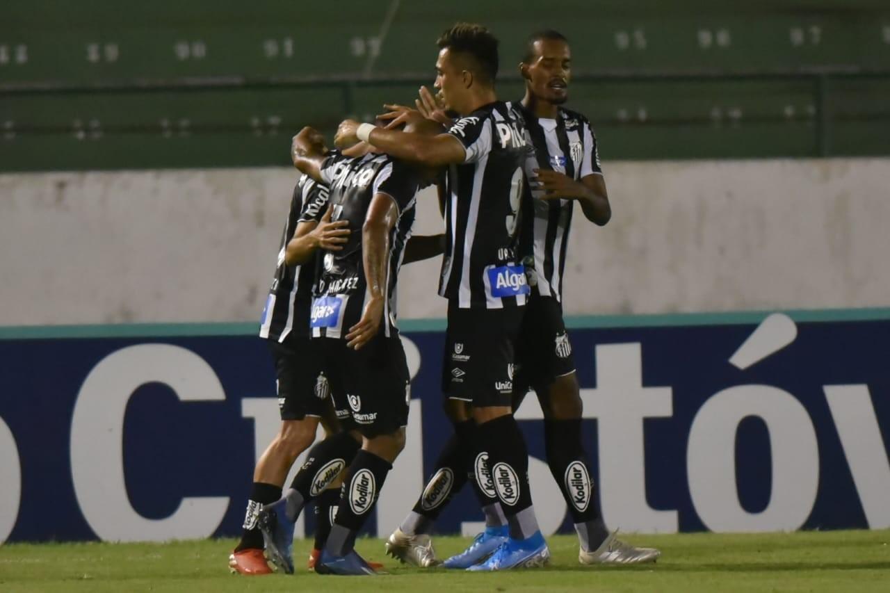 Santos volta a jogar mal, mas vence o Guarani em Campinas