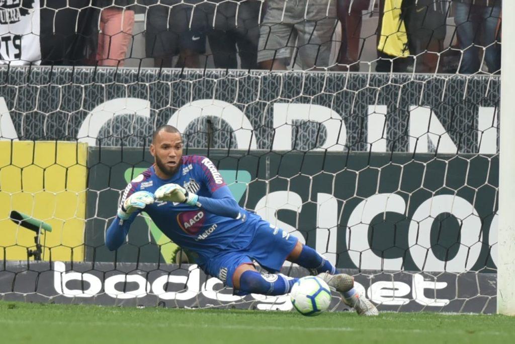 Santos joga mal e Everson garante o empate contra a Ferroviária