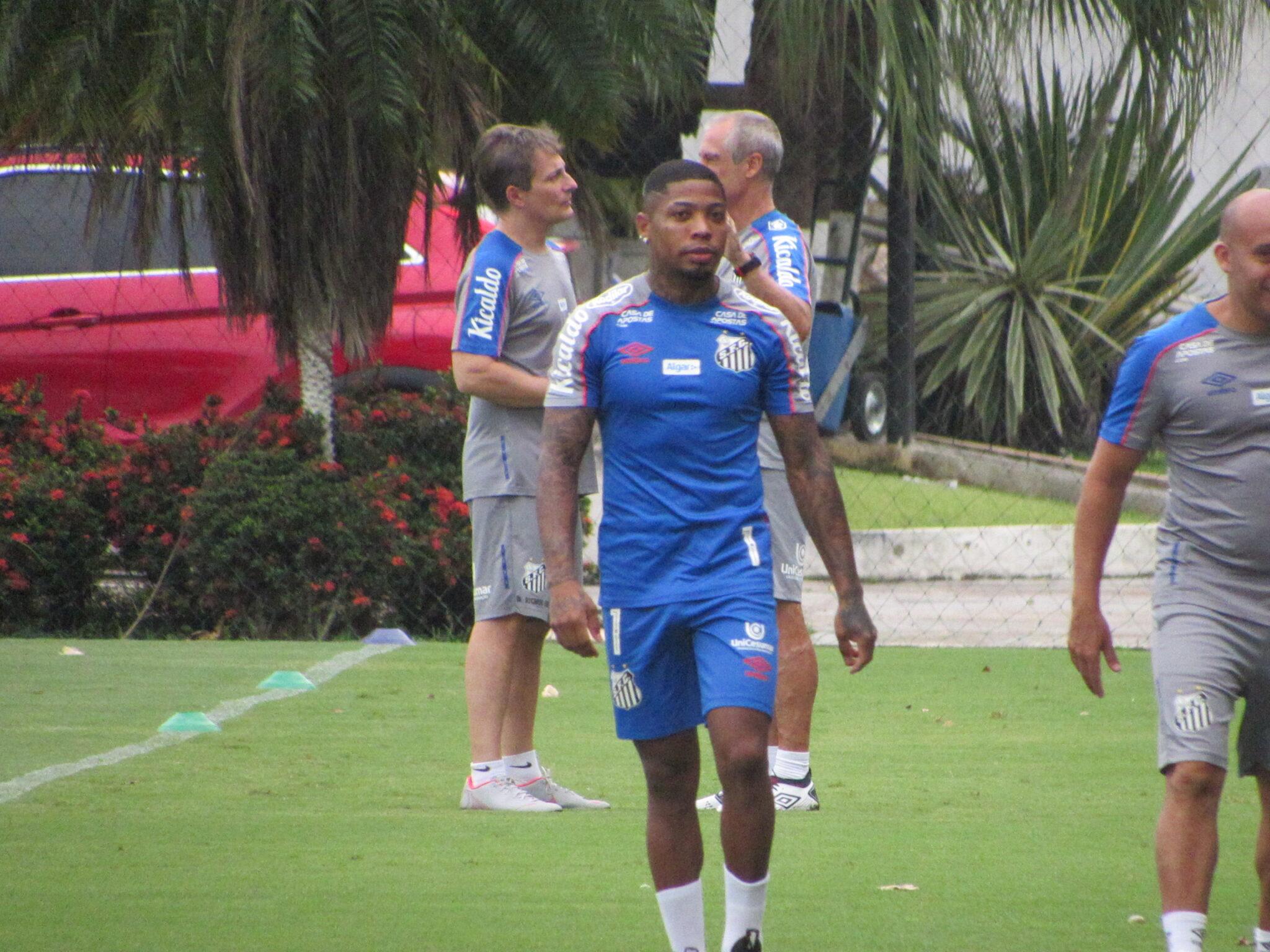 Marinho inicia transição de olho em estreia na Libertadores