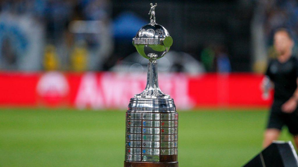 Diretor da Conmebol diz que ainda não há projeção para volta da Libertadores