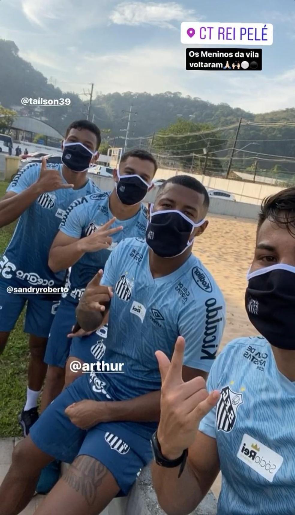 Negociações podem fazer Santos recorrer ainda mais à base