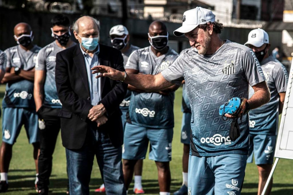 Cuca vê reflexo de crise política dentro de campo no Santos