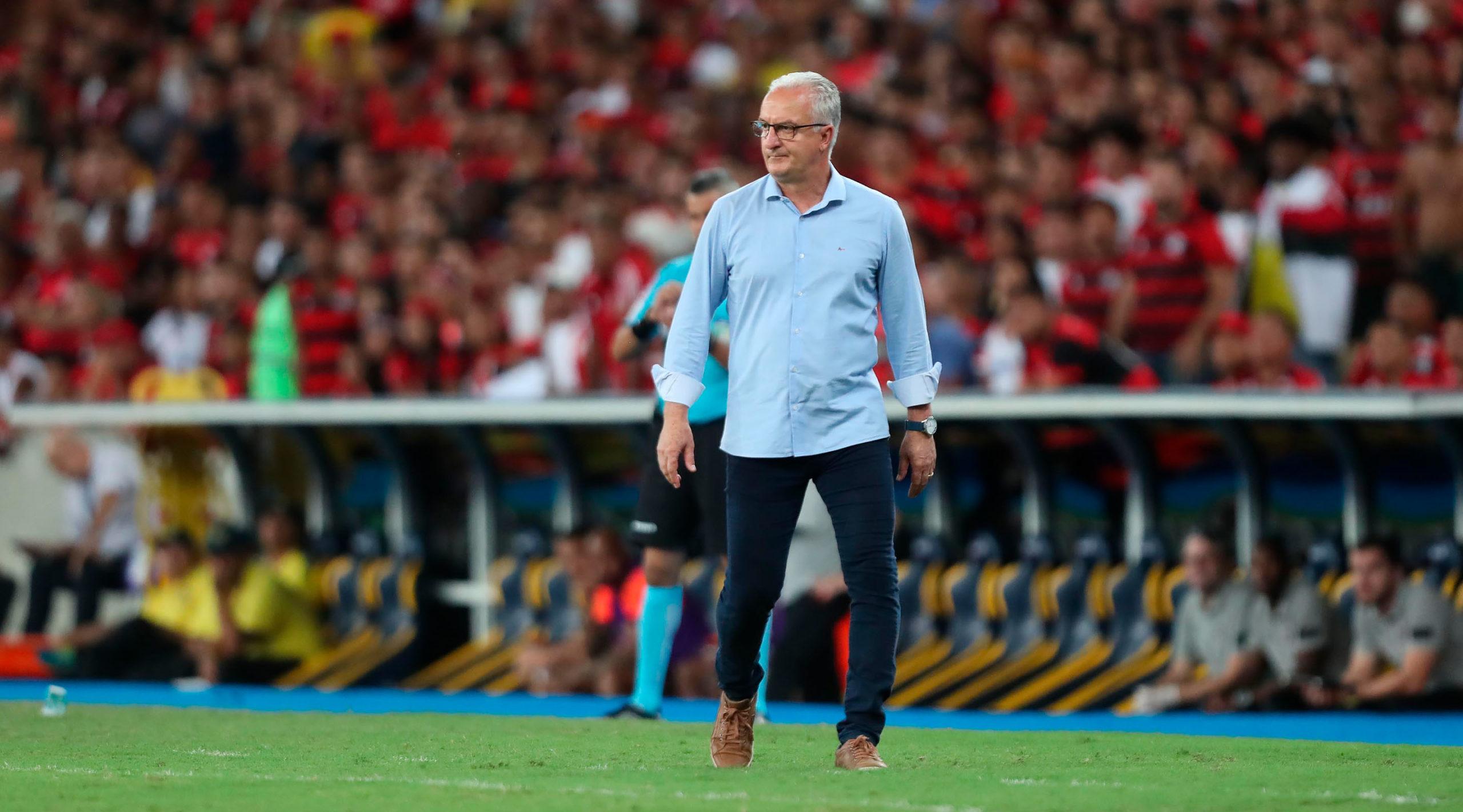 Com Covid-19, Dorival Júnior não estará na Vila no jogo contra o Santos