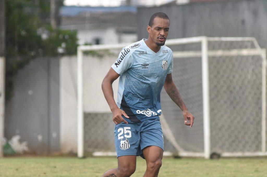 Luiz Felipe é mais um a ganhar folga e Santos terá 18 baixas no Paulistão