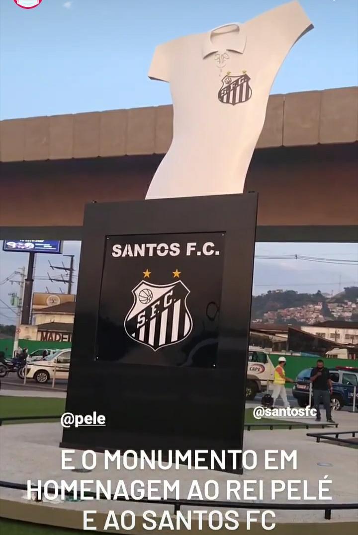 Prefeitura inaugura monumento em homenagem ao Santos e ao Rei Pelé