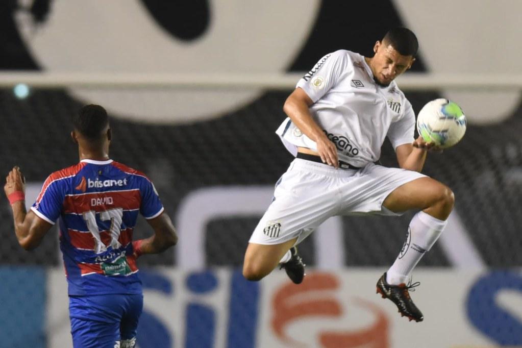 Cuca confirma Alex titular na Libertadores e se diz fechado com o meninos