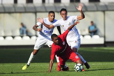 Bahia vende por R$ 15 milhões volante que foi liberado pelo Santos
