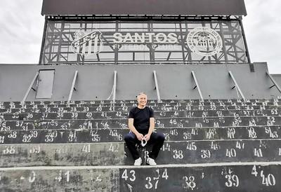 Exclusivo: Holan vê ponto de virada na história do Santos e pede união pelo projeto