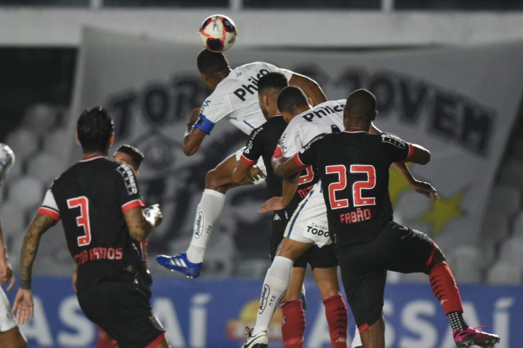 Santos fica no empate com o Botafogo na retomada do Paulistão
