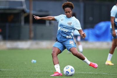 Alanna comemora reestreia pelas Sereias com gol após lesão no joelho