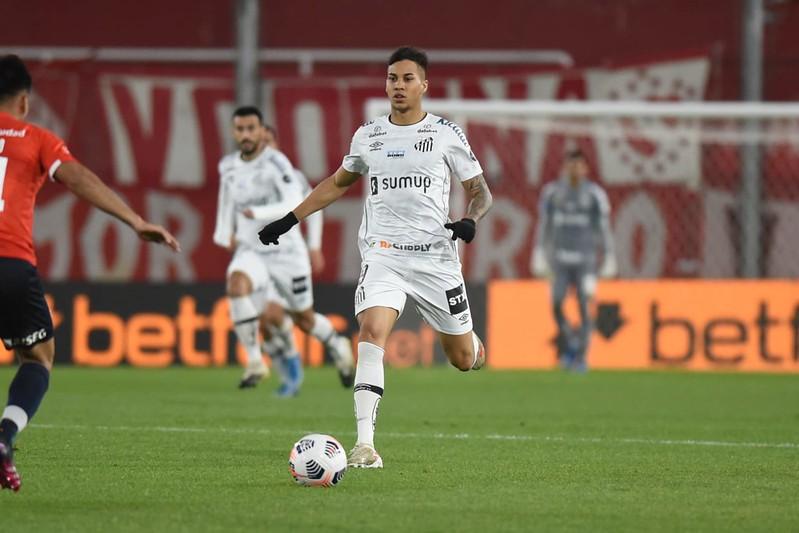 Kaio Jorge acerta com a Juventus, que fará proposta ao Santos para antecipar saída