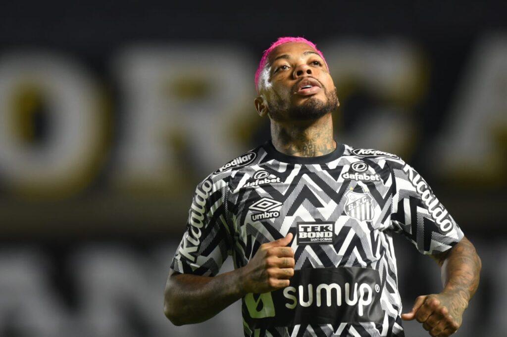 """Marinho fala sobre derrota do Santos em casa: """"Sensação péssima"""""""