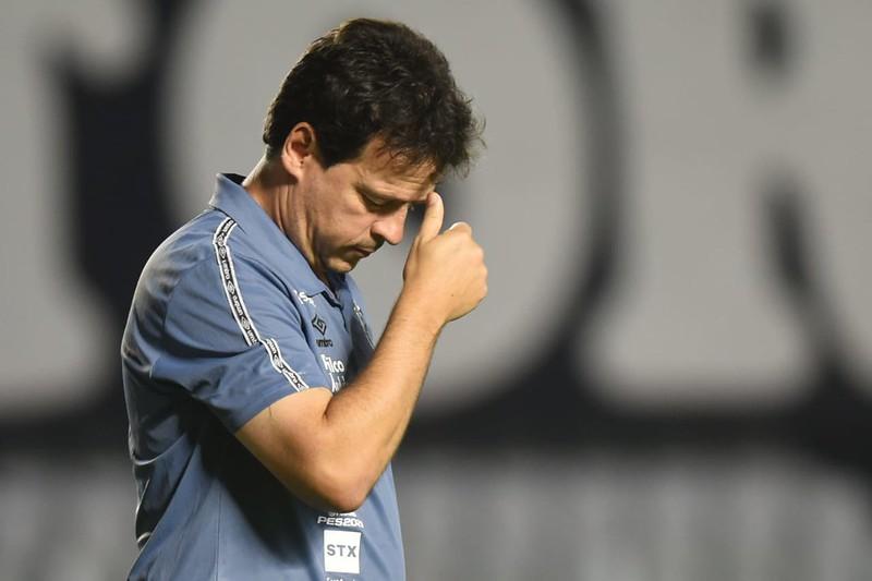 Santos perde a invencibilidade com Fernando Diniz na Vila Belmiro
